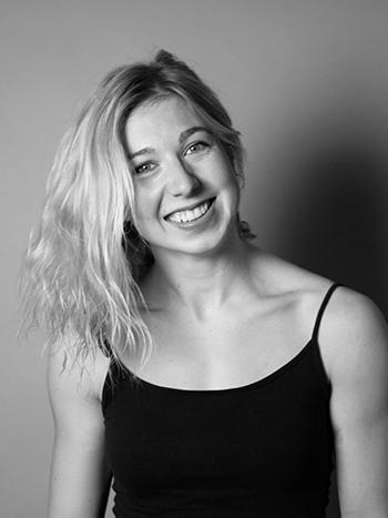 Anna Herkt: Über mich Zirkusakroatin