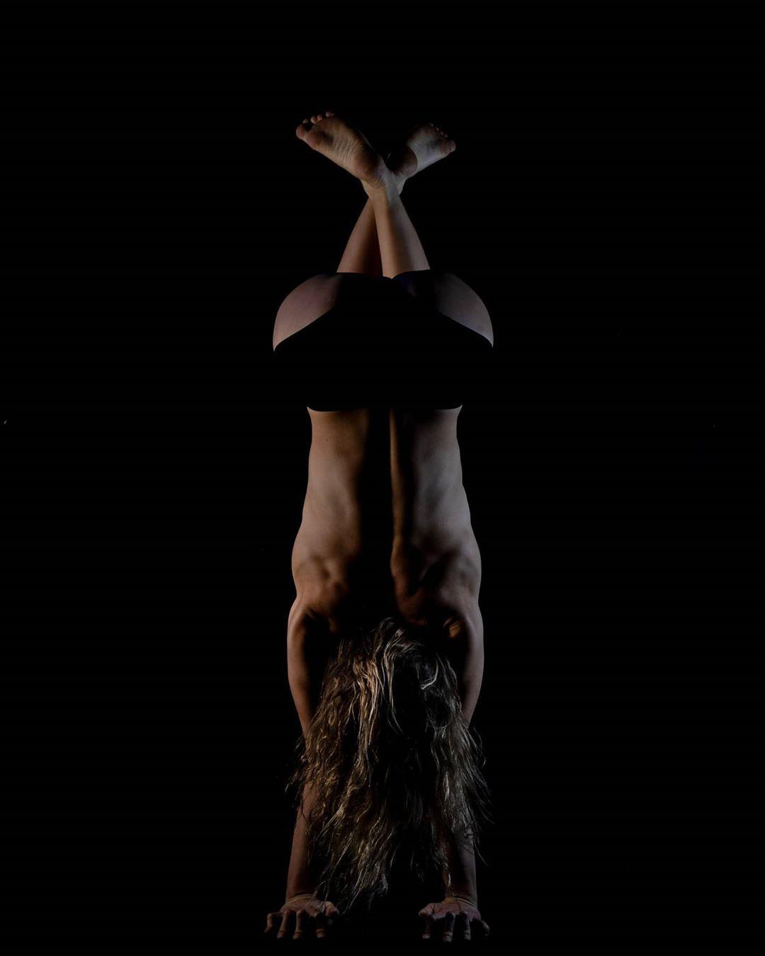 Akrobatisches Sportmodel Anna Herkt – Bild 3