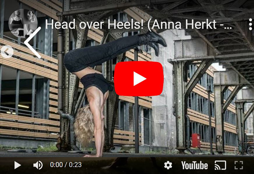 Video Head over Heels - Screenshot von YouTube